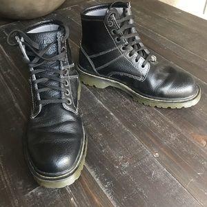 Dr. Martens Roseland men's boot